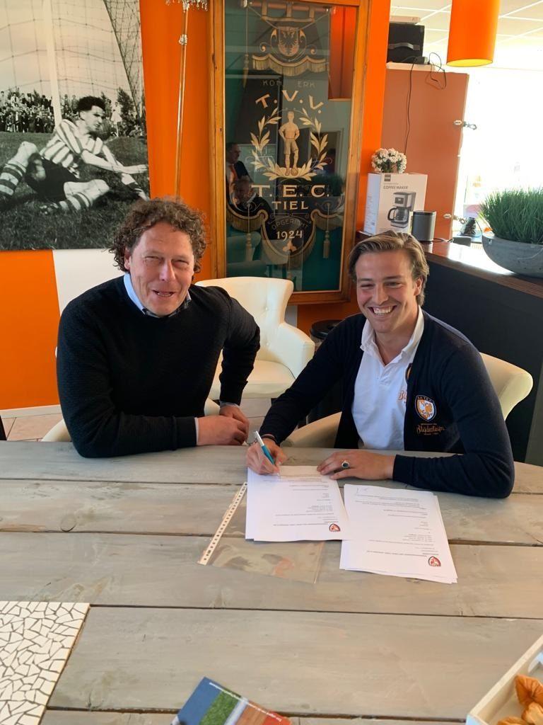 Matthieu van den Assem tekent trainerscontract bij TEC TIel voor TEC JO19-1
