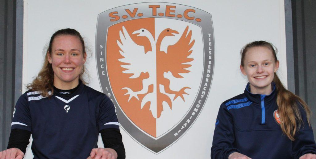 Inske Weiman en Chelsea Homan, twee talentvolle spelers van TEC maken kans op een plaats in een talentenelftal van een Betaald Voetbal Organisatie (BVO)